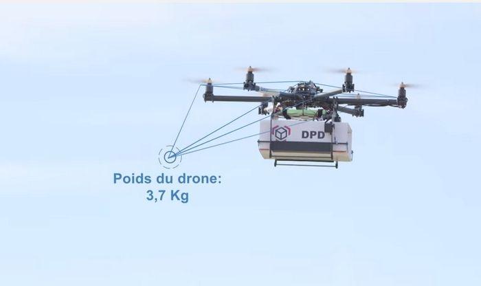 El servicio postal de Francia prueba con éxito la entrega de paquetes vía drone