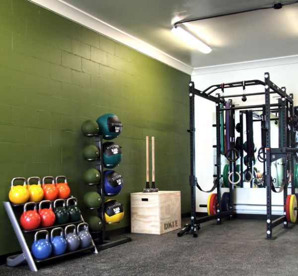 Use a bit of paint to add color to the home gym - Decoist