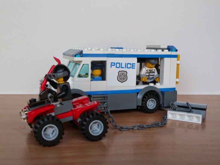 Totobricks: LEGO 60043 LEGO CITY POLICE Prisoner Transporter http://www.totobricks.com/2015/01/lego-60043-lego-city-police-prisoner.html