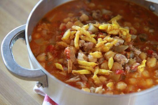 Sopón de Patitas de Cerdo con Garbanzos (Trotters and Garbanzo Bean Stew) - The Noshery