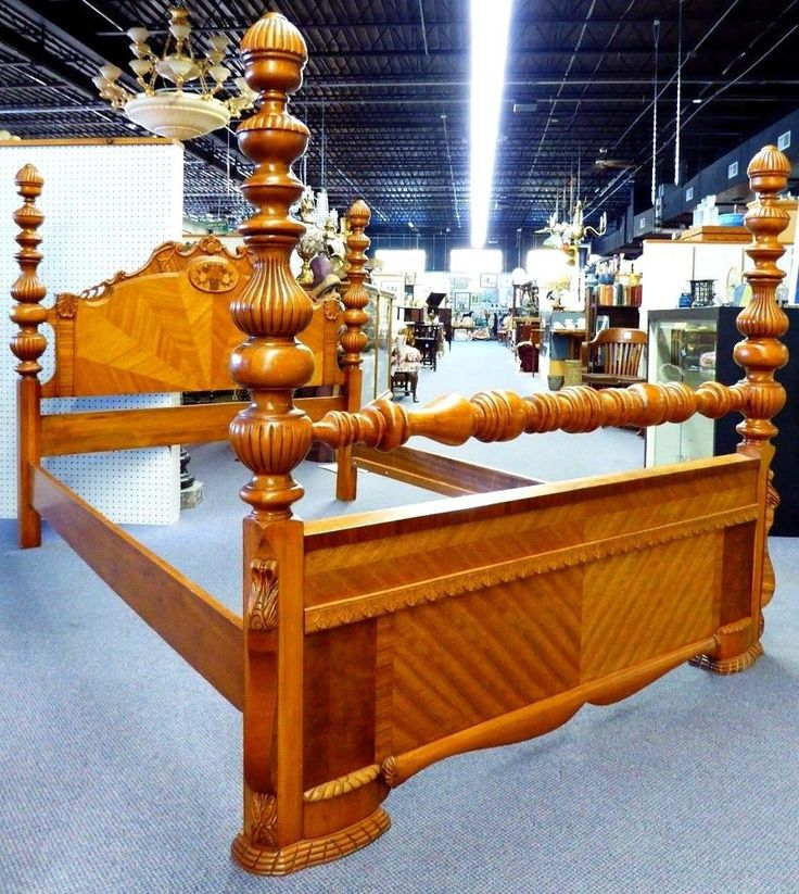 Waterfall Design 4 Poster Antique Full/Double Bed. Carving