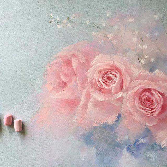 Огромное всем спасибо за поздравления! Очень приятно было получить столько тёплых слов и пожеланий! А сколько курьёзных историй оказывается происходят в этот ответственный день Наше опоздание в загс уже не кажется таким уж приключением #пастель #цветыпастелью #рисуюпастелью #цветы #softpastel #softpastels #topcreator #flowers