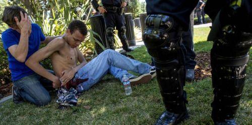 Apuñalan a cinco en las afueras de Capitolio de California -...