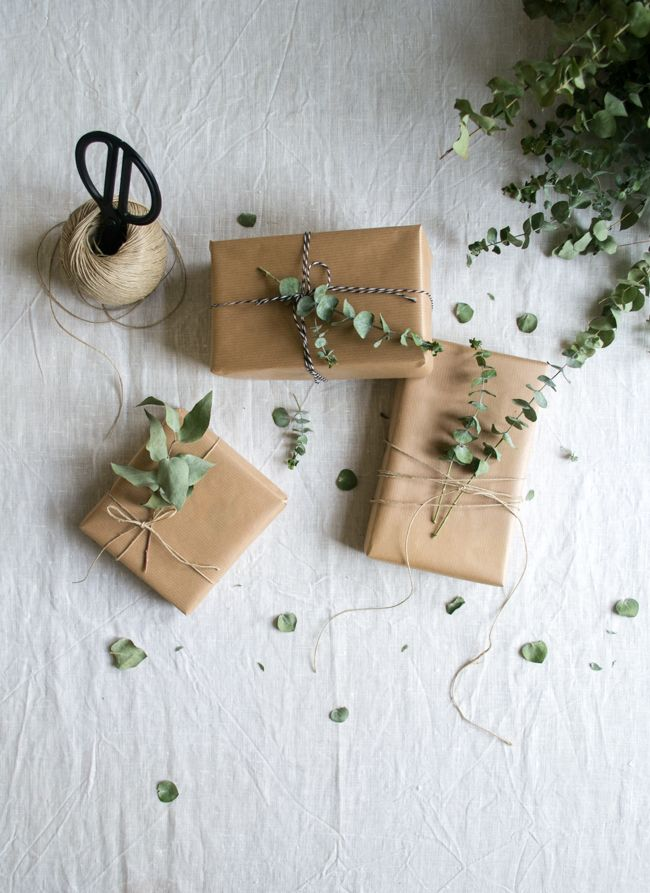 kinfolk style christmas giftwrap / inspire styling