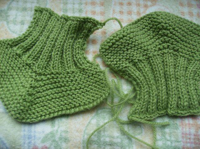 Ravelry: Botinhas de Bebé pattern by Isabel Salgueiro