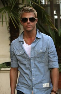 Derek Hough - I would reallyyyyyyyy like to meet him!!! It would be the most amazing thing ever!!!!! I love you Derek!!! Oh and by the way you look really good in those shades!!!❤️