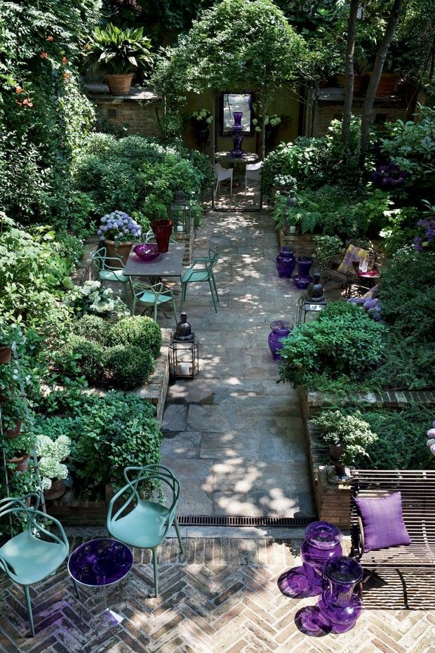 inside outside - lush planted patio garden - Milan - foto Giorgio Possenti www.welovehomeblog.com