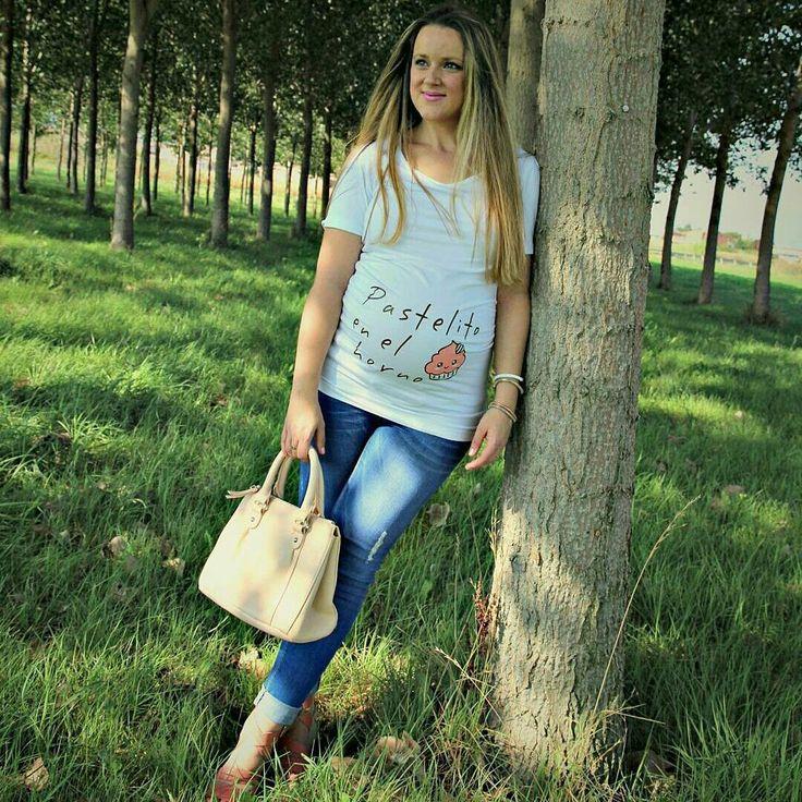 Y aquí tenemos más fotitos lindas de Emma Loves Fashion luciendo barriguita con su camiseta para premamás. ¿Te gustaría tener una de estas camisetas para premamás? La puedes encontrar en www.wondermami.com #camiseta #camisetas #premamás #camisetasparapremamás #camisetaparapremamás