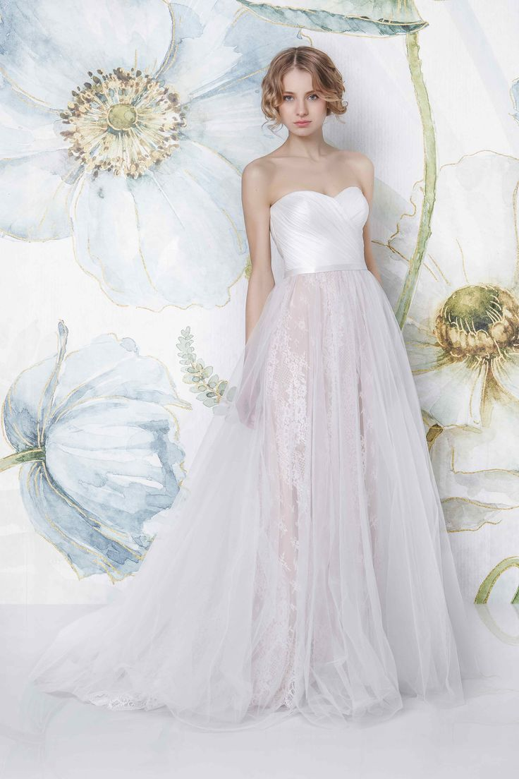 CAMILE | Sadoni Bridal 2018 - Draped sweetheart dress with tulle and lace skirt in nude or all creme - www.sadoni.no