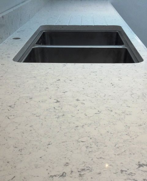Bianco river silestone photos silestone bianco river for Silestone sink reviews