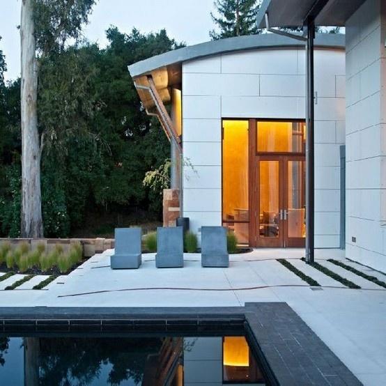 Modern Saratoga Creek House In California: