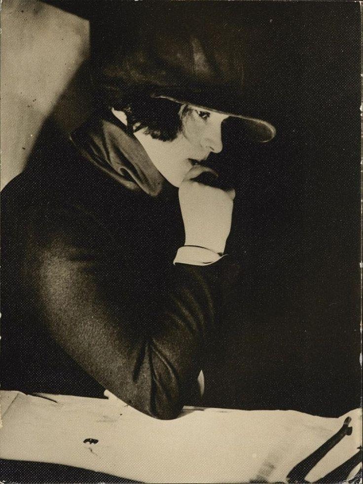 Osamu Shiihara. Still life 1935 Via invaluable. The film maker Esther Schub 1924