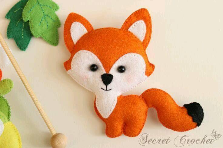 Essa é uma raposa de feltro. Que perfeita! ♥