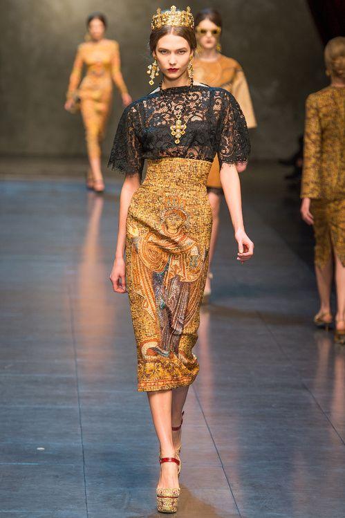 Karlie Kloss au défilé Dolce & Gabbana automne-hiver 2013-2014