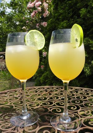 Healthy pregnancy drink, lime & ginger full of pregnancy vitamins
