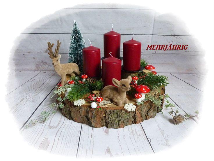 Adventskranz - Adventskranz / Adventsgesteck auf Holzscheibe - ein Designerstück von diegeschenkidee bei DaWanda