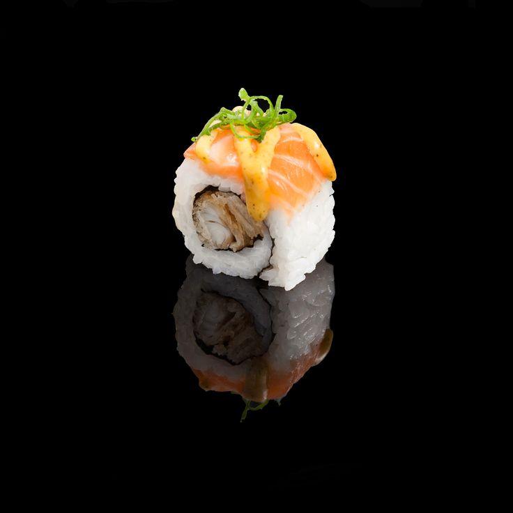 Mono Surprise / bass tempura, Japanese mayonnaise, fresh onion and salmon with Dijon sauce