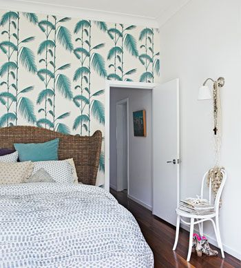 Inspired by nearby Byron Bay, Shannon Fricke brings a touch of the beach to this gorgeous Bangalow home.