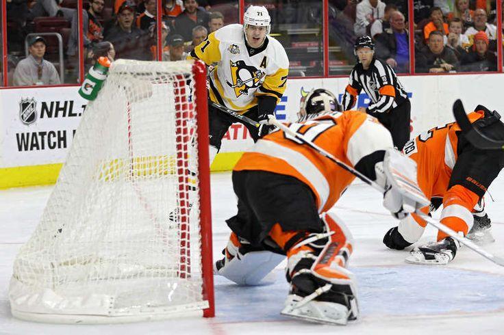OCTOBER 29: Evgeni Malkin #71 of the Pittsburgh Penguins scores goal number 300 against Philadelphia Flyers during the third period at Wells Fargo Center on October 29, 2016 in Philadelphia, Pennsylvania