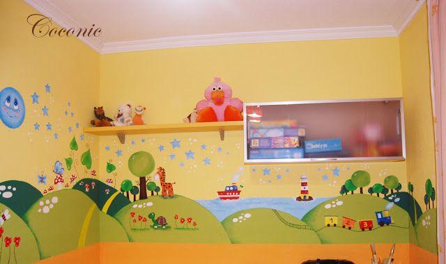 Un mural mágico de Coconic, pintado a mano sobre gotelé, para el pequeño Antonio...toda una explosión de color.
