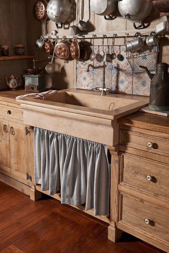 Oltre 25 fantastiche idee su mobili da cucina antichi su for Moderni piani di fattoria rustica