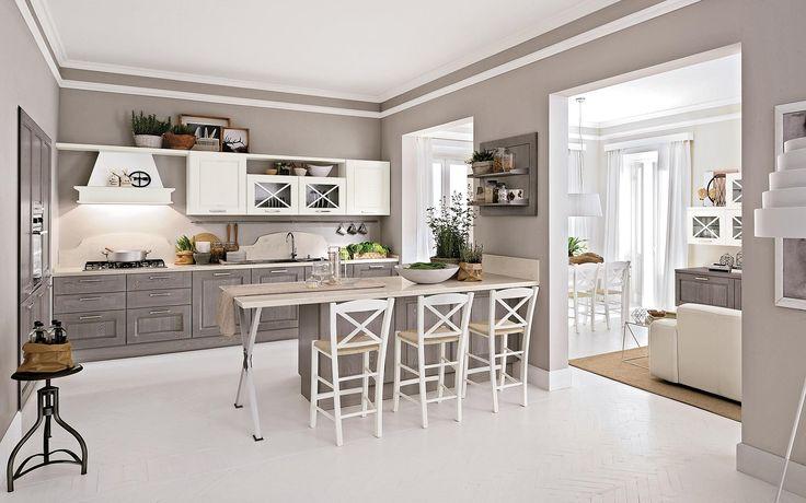 Cucina classica grigio chiaro e bianca