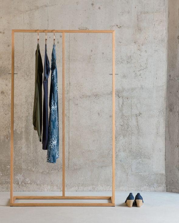 Awesome kleiderst nder lain aus holz swissmade Garderobenst nder HolzKleiderschrank