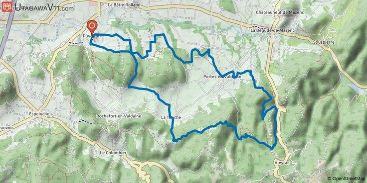 [Drôme] Puygiron - Circuit N°4 bleu Suivre l'itinéraire VTT FFC (balises jaunes sur fond blanc donc parfois peu visibles) indiquant le circuit 3 (couleur bleu). Pas de problèmes majeurs dans le balisage, bien qu'il faille bien ouvrir l'oeil avant de commencer la grande partie en forêt du circuit. Montez dans le village et suivez la route qui mène à une place avec vue sur la plaine. Sur votre gauche, vous devriez voir un panneau récapitulatif des sorties VTT au départ du village. Plus loin…