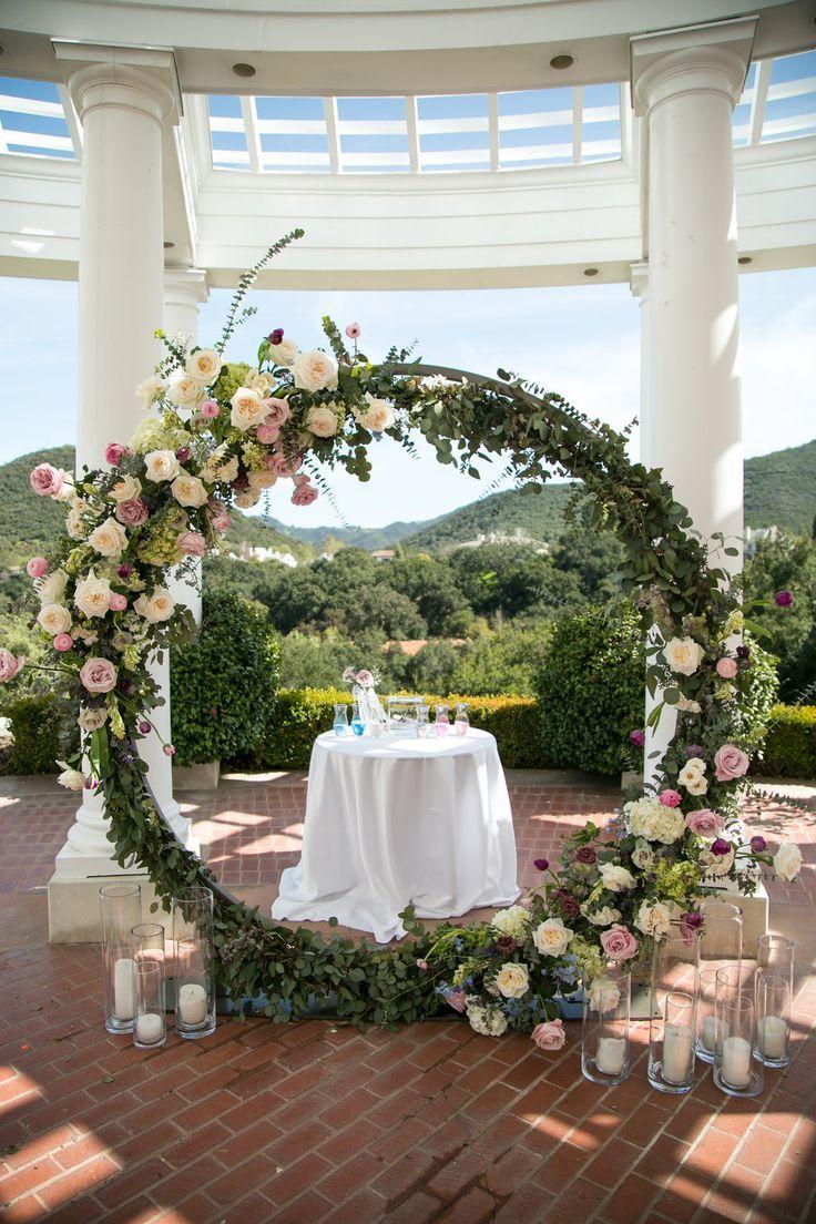 Jaw Dropping Gorgeous Wedding Flower Ideas Wedding Ceremony