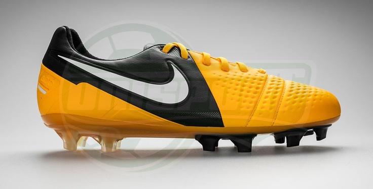 Nike - CTR360 Maestri III Orange/Black