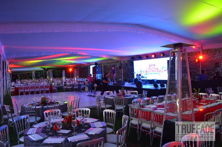 Iluminación arquitectónica para tu evento