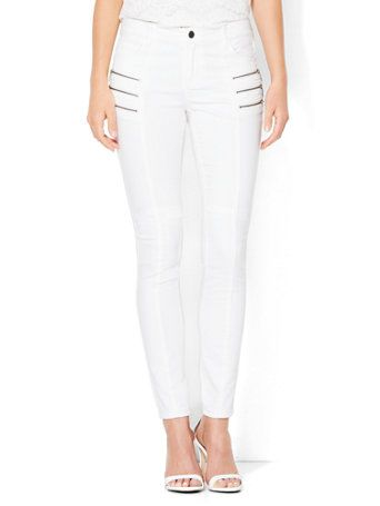 Shop Soho Jeans - Jennifer Hudson Zip Accent High-Waist Legging - White . Find your perfect size online at the best price at New York