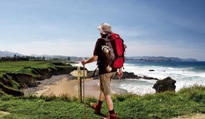 """ASTURIAS. Costa Verde. 401 km. de costas llenas de preciosos parajes protejidos, con playas de arena fina e impresionantes acantilados y ensenadas. A destacar el """"Parque Nacional de los Picos de Europa"""" y el Santuario de Covadonga. Gastronomía: pescados y mariscos; la típica """"fabada asturiana"""", queso de Cabrales y la sidra. Deportes: surf, kayak, piragüismo, senderismo (GR100 """"la vía de la plata""""). Principales poblaciones: Oviedo (es la capital), Gijón, Luarca, Cudillero, Ribadesella…"""