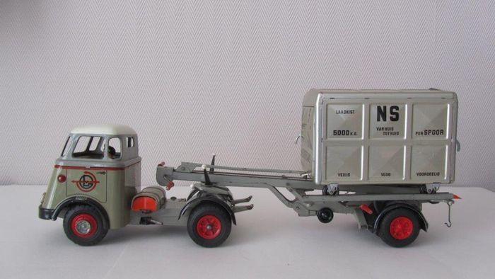 Arnold, Western Germany - Lengte 44 cm - Blikken DAF Van Gend & Loos Truck met Rolcontainer Aanhanger met slingermechaniek, jaren 50