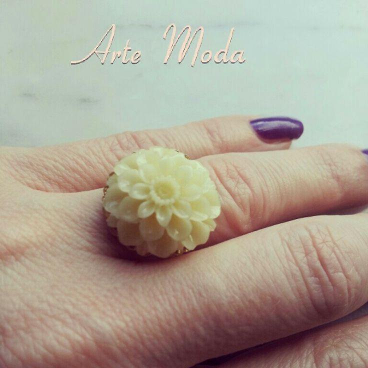 Modello Fiore...#rings#accessori#bijoux#flowers#jewels#fashion#moda#madeinitaly#depop#instagram#