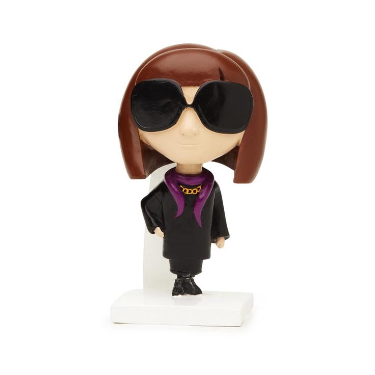 Oooh an Edna Mode (Edith Head) bobble head!