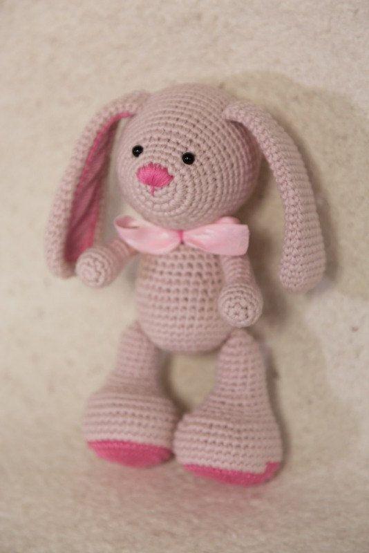 Amigurumi Bunny PATTERN- Instant Download - Crochet PDF Tutorial In English! ¡Buenas noticias! ¡Mi patrón de conejo ahora también en español!  This