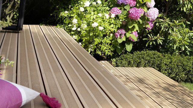 Terrasse bois composite : ce qu'il faut savoir - Côté Maison