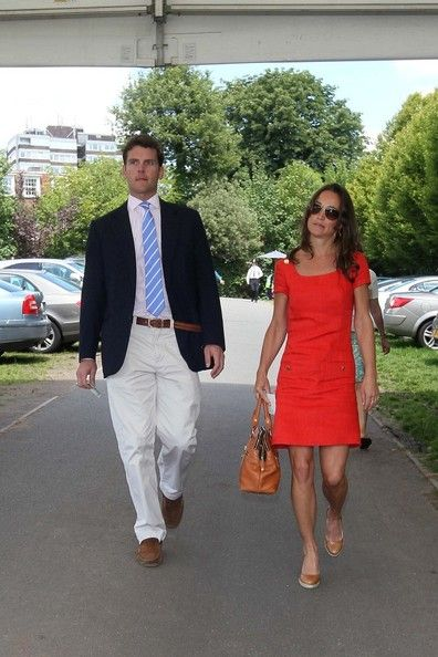 Pippa Middleton Photos Photos - NO GERMANY/SWITZERLAND.Pippa Middleton proves she is back together with her boyfriend Alex Loudon as they arrive at Wimbledon hand in hand. - Pippa Middleton and Alex Loudon at Wimbledon