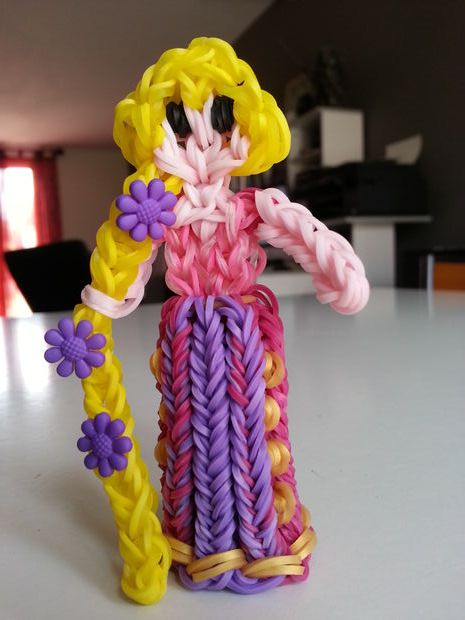 princesse raiponce par sandy elastiques rainbow loom pinterest animaux photos and figurine. Black Bedroom Furniture Sets. Home Design Ideas