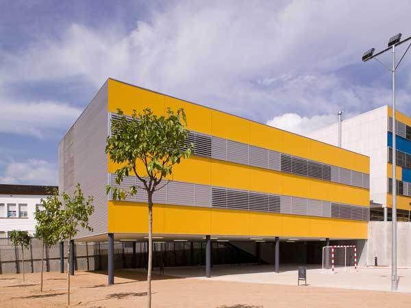 CEIP Bisbat Egara, Terrassa. Primary school.  #modern #architecture #jaumevalor