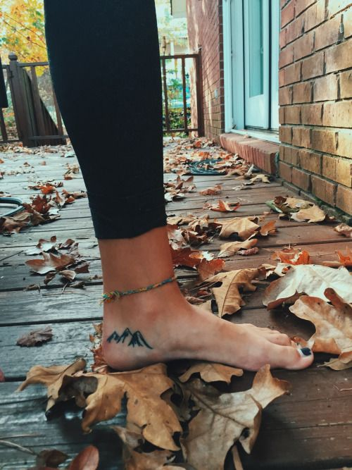journeybacktostrong:  wild-trails:  Fall and mountain tattoos.  I want this.