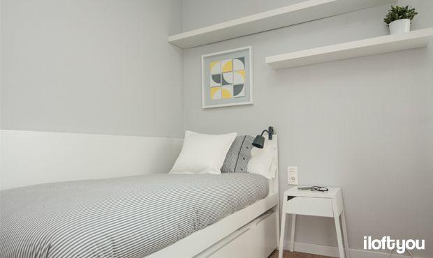 #proyectolescorts #iloftyou #interiordesign #ikea #barcelona #lowcost #alquilertemporal #bedroom #flaxa #lack #micke #enje #nyponros #selje #stave #tisdag