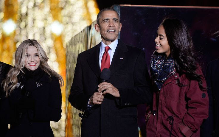 Reese Witherspoon and Obamas Ring in the Holiday Season at the National Christmas Tree Lighting. #celebritynews #celebs #obamas