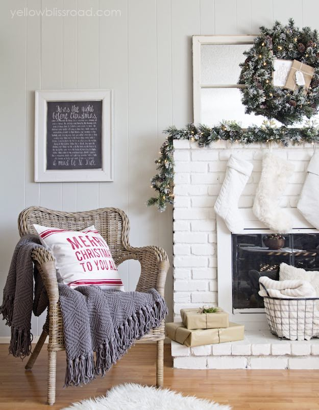 Simple And Cozy | 11 Christmas Living Room Ideas For Fuss Free Holiday  Decorating Part 98