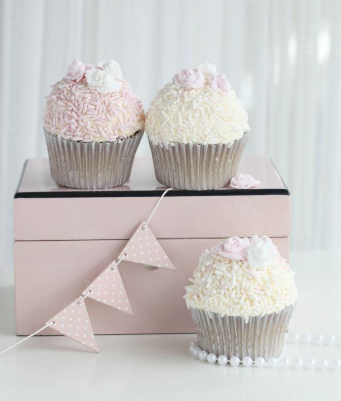 strawberry-cheesecake cupcake