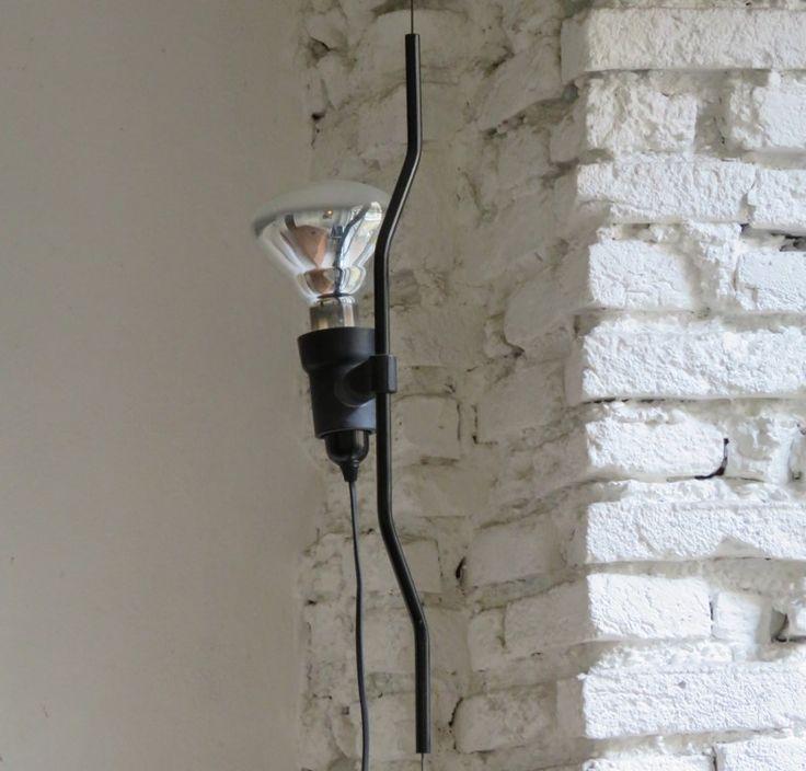 Per la Rubrica «Storie di Design», DSforDESIGN, la lampada Parentesi di Flos | Storytelling e progetto: Valentina Chiefa