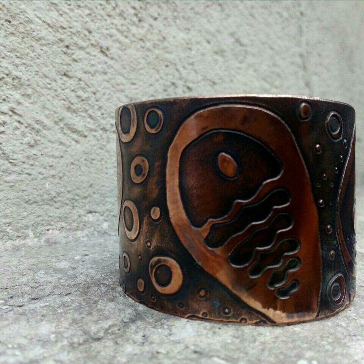 Brazalete grabado, colección  mar profundo, Pichilemu.