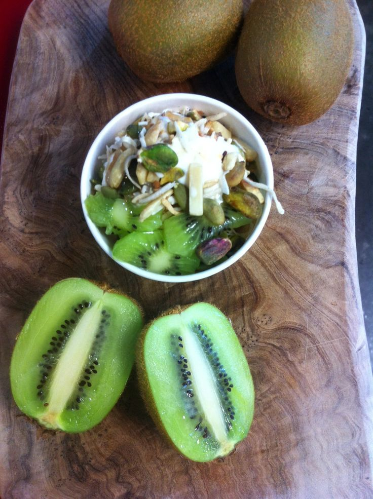 natural frozen yoghurt, toasted seed and nut mix, fresh kiwi
