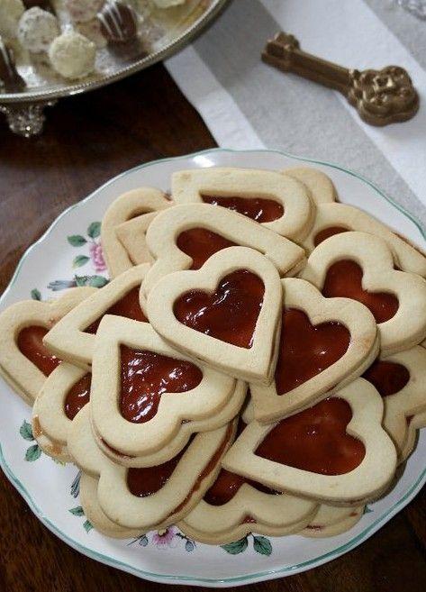 queen of hearts baby shower | Queen of hearts biscuits with jam